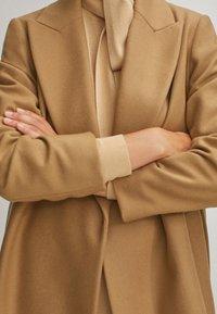 Massimo Dutti - Płaszcz wełniany /Płaszcz klasyczny - beige - 4