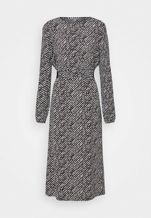 Korte jurk - handdrawn