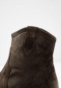 Billi Bi - Cowboy/biker ankle boot - army - 2