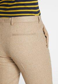 Shelby & Sons - BEMBRIDGE TROUSER - Trousers - camel - 5