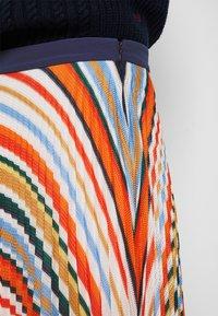Victoria Victoria Beckham - PLEATED STRIPE SKIRT - Pleated skirt - multi - 7