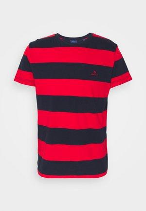 BARSTRIPE - T-shirt med print - bright red