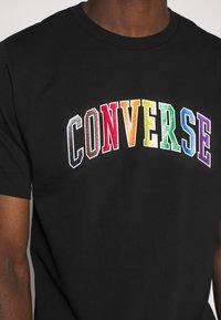 Converse - GLITTER PRIDE TEE - T-shirt con stampa - black - 4