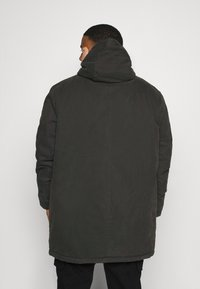 Lyle & Scott - PLUS WINTER WEIGHT LINED - Parka - jet black - 3