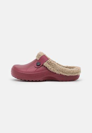 Pantofole - burgundy