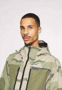 Burton - FROSTNER - Snowboard jacket - barren/keef - 3