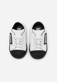 MOSCHINO - Sneaker low - white - 3