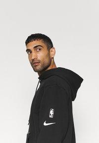 Nike Performance - NBA LA LAKERS LOGO HOODIE - Klubbkläder - black - 3