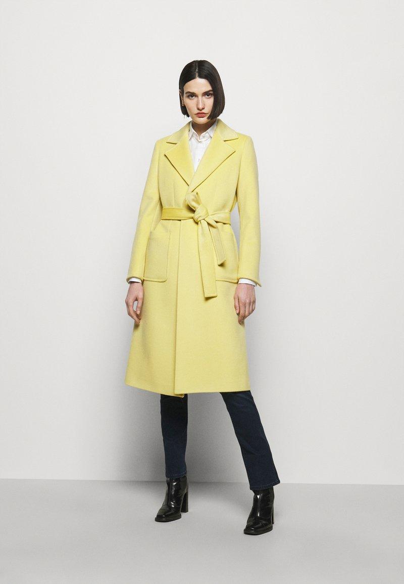 MAX&Co. - RUNAWAY - Classic coat - pale yellow