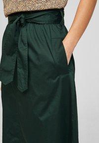 s.Oliver BLACK LABEL - A-line skirt - leaf green - 3
