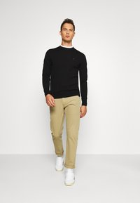 Tommy Hilfiger Tailored - Pullover - black - 1