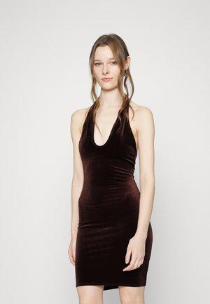TWIST NECK DRESS - Cocktailklänning - brown