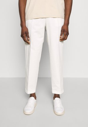 MODERN SUMMER - Chinos - white