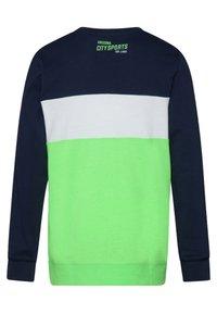 WE Fashion - JONGENS  - Long sleeved top - bright green - 1