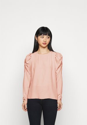 PETITES SUSTAINABLE LONG SLEEVE PUFF SHOULDER TOP - Blouse - pink