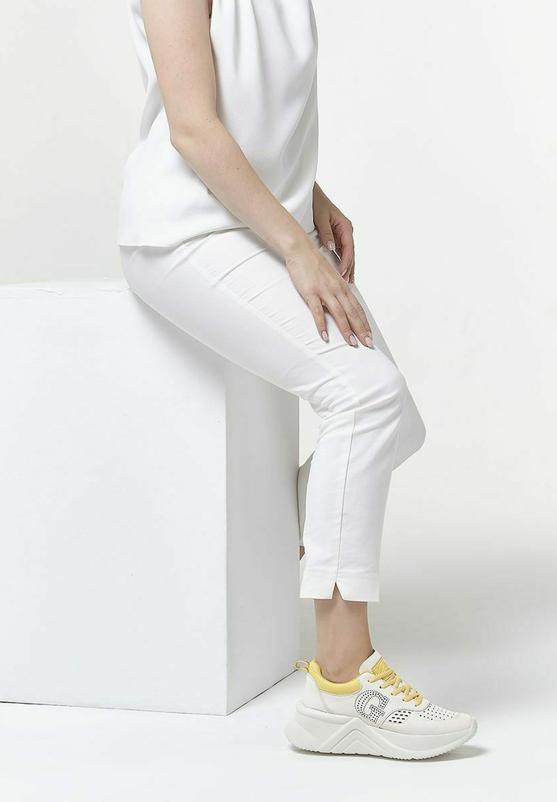 GRÜNBERG - Sneakersy niskie - white