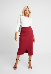 4th & Reckless Petite - MIA RECKLESS MIDI SKIRT WITH SPLIT - Jupe crayon - rust - 2