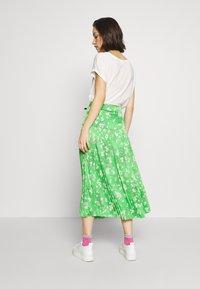 Never Fully Dressed - BLOSSOM BEATRICE SKIRT - Minisukně - green - 2