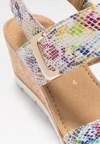 Gabor - Sandály na klínu - multicolor - 2