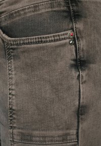 Street One - Slim fit jeans - braun - 4