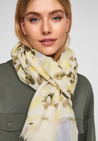 s.Oliver - MIT MUSTERMIX - Scarf - offwhite placed print - 2