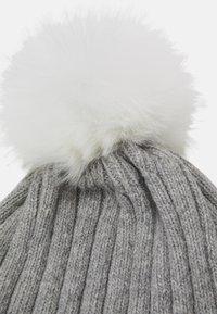 Huttelihut - WARMY FOLD UP POMPOM - Beanie - light grey/white - 2