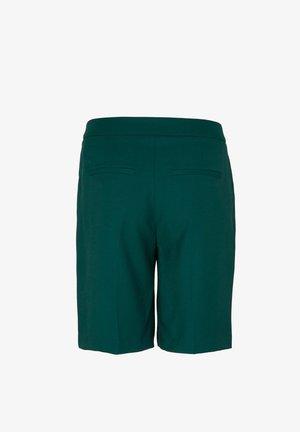 Short - dark green