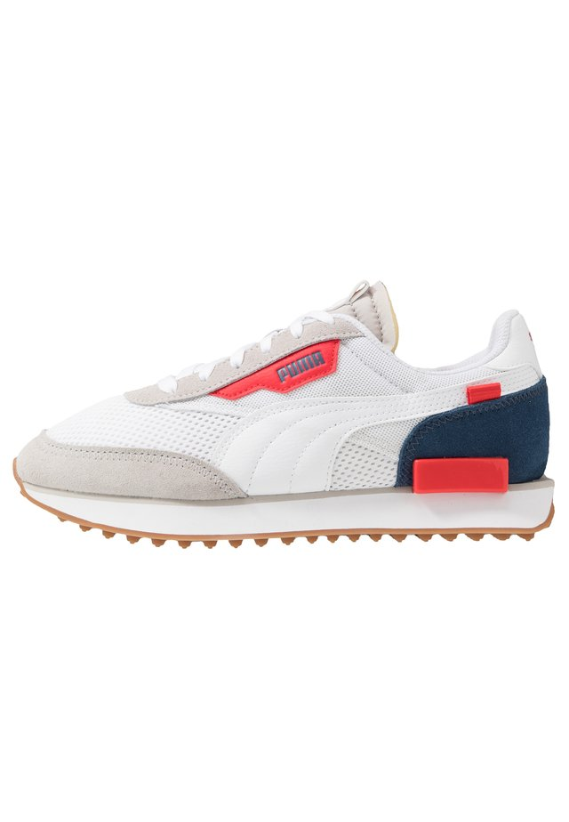 RIDER STREAM ON - Sneakers laag - gray violet/white/dark denim