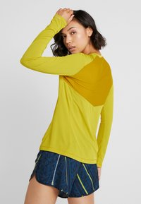 Salomon - AGILE TEE - T-shirt de sport - antique moss - 2