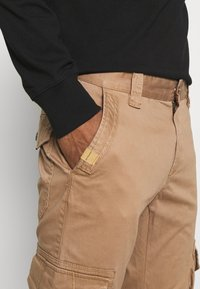TOM TAILOR - Cargo trousers - dusty caramel brown - 4