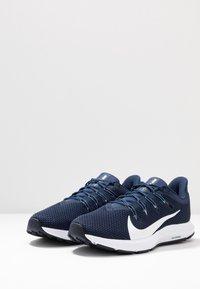 Nike Performance - QUEST 2 - Neutral running shoes - midnight navy/white/ocean fog - 2