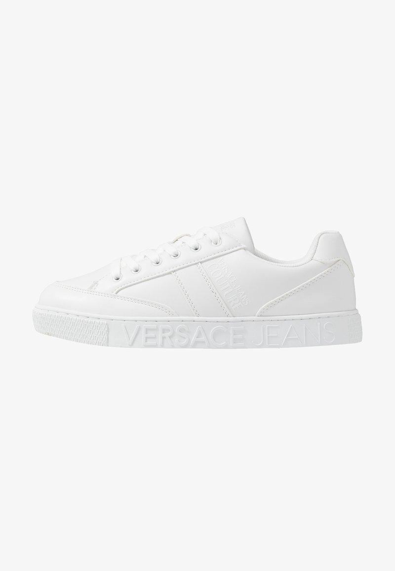 Versace Jeans Couture - FONDO CASSETTA - Joggesko - white