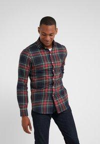 Polo Ralph Lauren - SLIM FIT - Skjorta - red/dark blu - 0