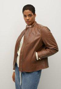 Violeta by Mango - CHELASEA - Leather jacket - marron moyen - 2