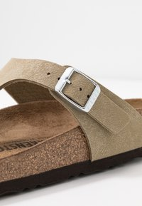 Birkenstock - GIZEH - Infradito - brushed mud green - 2