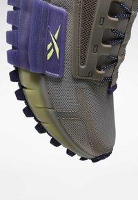 Reebok - Sneakers - grey - 9
