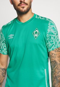 Umbro - WERDER BREMEN TRAINING - Club wear - spectra green/ice green - 5