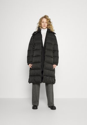 FAVINA - Winter coat - black