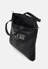 Versace Jeans Couture - UNISEX - Velká kabelka - black - 4