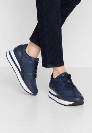 CARROT - Sneakers - yoda marino