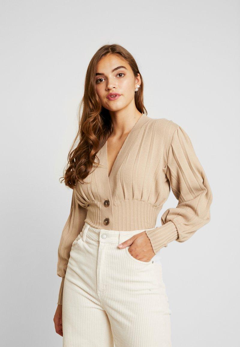 NA-KD - SHORT - Cardigan - beige