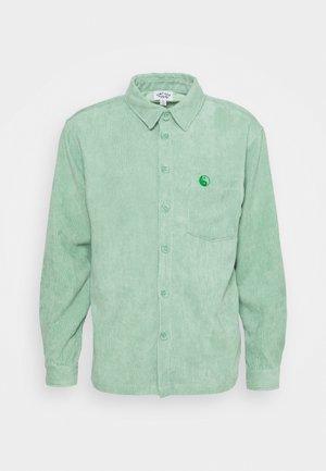 LONG SLEEVE SHIRT WITH YIN YANG EMBROIDERY - Shirt - green