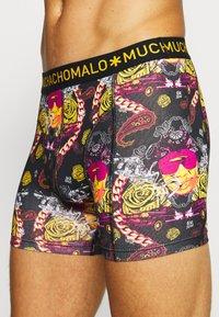 MUCHACHOMALO - THUGY 3 PACK - Pants - black/purple - 7