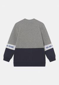 Name it - NMMLAUST CARD BOX - Zip-up sweatshirt - grey melange - 1