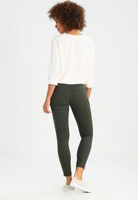 Dr.Denim - DEZIE  - Jeans Skinny Fit - riot green - 2