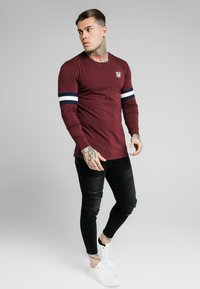 SIKSILK - TOURNAMENT TEE - Langarmshirt - wine - 1