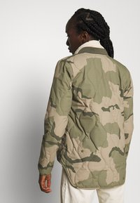 Burton - KILEY CAMO - Outdoor jacket - barren - 3