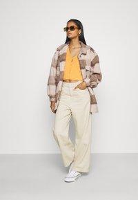 Cotton On - COSY CABIN SHACKET - Krátky kabát - natural - 1