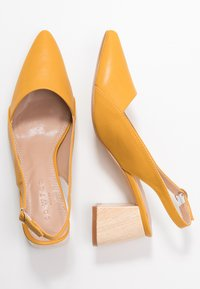 co wren wide fit - Classic heels - mustard - 3