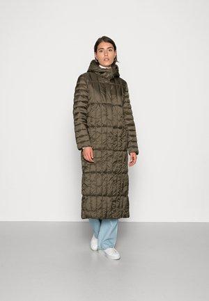 Zimní kabát - dark khaki